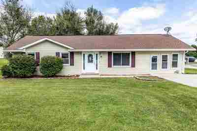 Dale Single Family Home For Sale: 215 E Sycamore Street