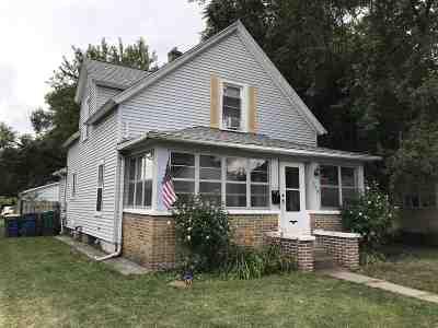 Mishawaka Single Family Home For Sale: 227 E Marion Street