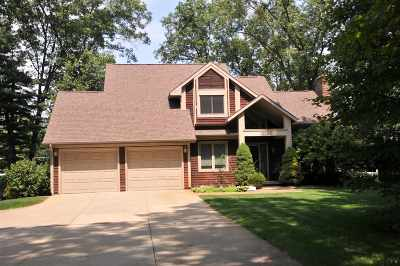Plymouth Single Family Home For Sale: 10040 Victoria Drive