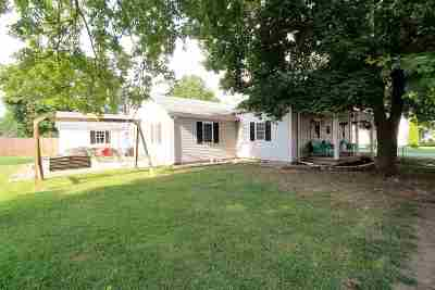 Gas City Single Family Home Cont-Accptngbackupoffers: 200 W North A Street
