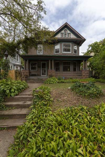 South Bend Single Family Home For Sale: 111 Marquette Avenue
