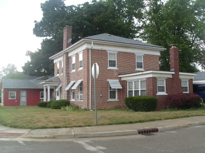 Marshall County Single Family Home For Sale: 202 W Center Street