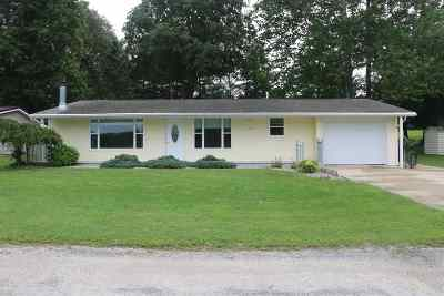 Warsaw IN Single Family Home For Sale: $167,000