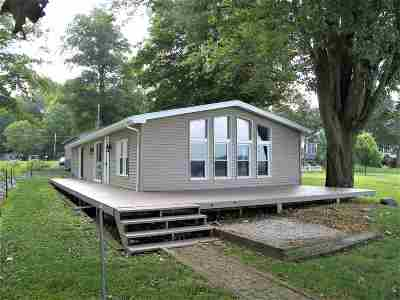 Warsaw IN Manufactured Home For Sale: $285,000
