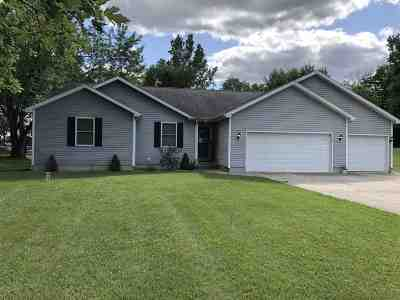 Kosciusko County Single Family Home For Sale: 249 Ems C29 Lane