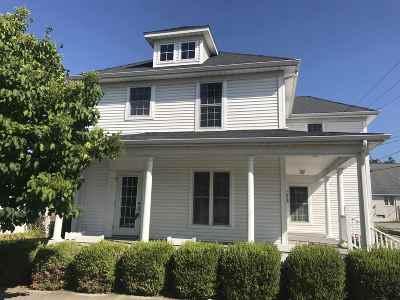 Marshall County Single Family Home For Sale: 214 W Washington Street