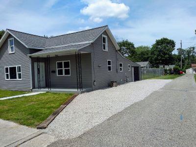 Kosciusko County Single Family Home For Sale: 909 E Clark Street