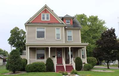 Warsaw Single Family Home For Sale: 221 N Washington Street