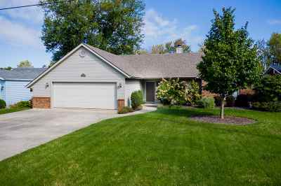 Kosciusko County Single Family Home For Sale: 8158 E North Road