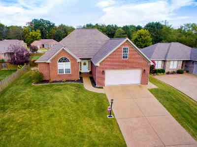 Evansville Single Family Home For Sale: 815 Alyssum Drive