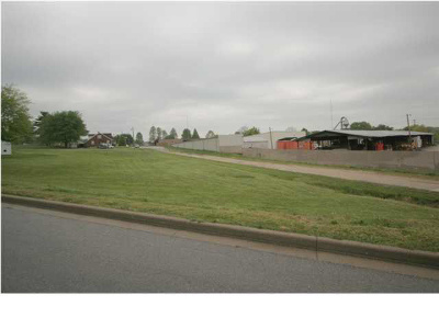 Dubois County Commercial Lots & Land Back On Market: Maurice St