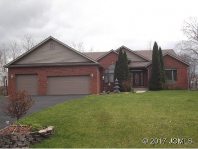 Single Family Home For Sale: 2418 Forest Dr