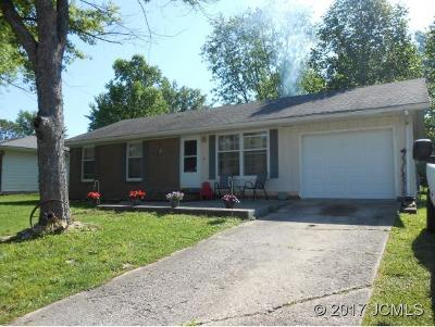 Single Family Home For Sale: 2812 Meadowwood Dr