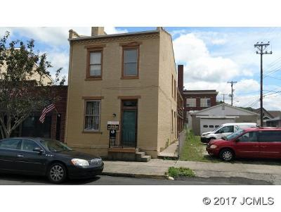 Multi Family Home For Sale: 418 Walnut St