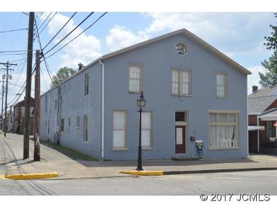 Single Family Home For Sale: 310 Broadway St