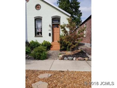 Madison Single Family Home For Sale: 950 Second St