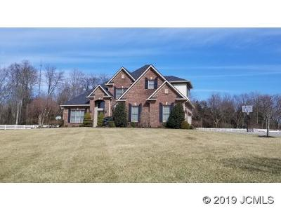 Madison Single Family Home For Sale: 1183 River Bluff Lake Dr