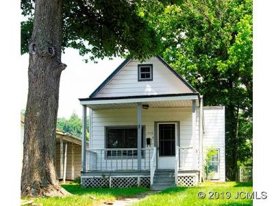 Single Family Home For Sale: 1010 Main St