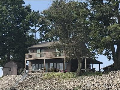 Single Family Home For Sale: 2249 Beach Dr