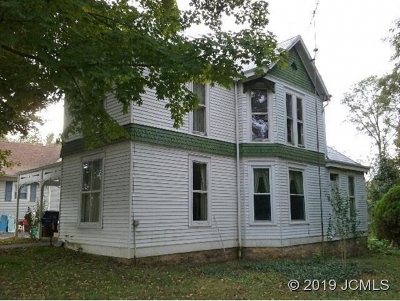 Single Family Home For Sale: 237 Main St