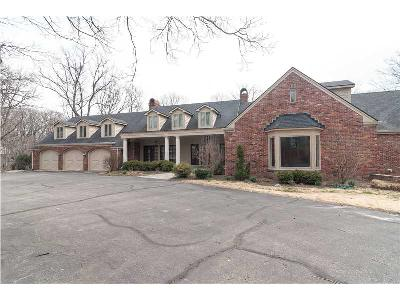 Indianapolis Single Family Home For Sale: 8602 Frontgate Lane