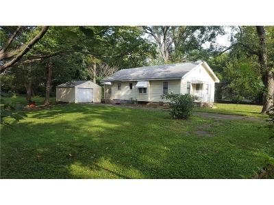 Marion County Single Family Home For Sale: 3336 South Lyons Avenue