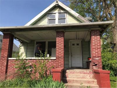 Indianapolis Single Family Home For Sale: 2650 South Meridian Street