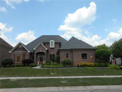 Indianapolis Single Family Home For Sale: 7548 Peach Blossom Place
