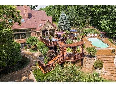 Indianapolis Single Family Home For Sale: 8283 Thoroughbred Court