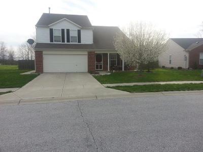 Brownsburg Single Family Home For Sale: 1010 Pine Ridge Way