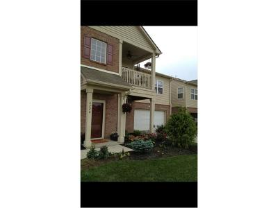 Plainfield Condo/Townhouse For Sale: 4220 Revere Drive