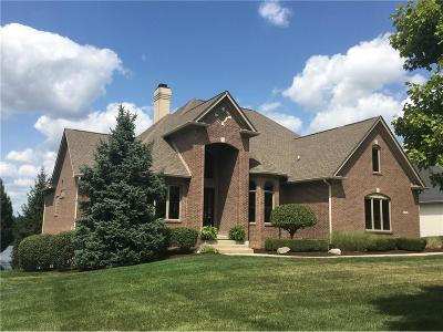 Fishers Single Family Home For Sale: 13920 Waterway Boulevard