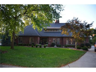 Indianapolis Single Family Home For Sale: 32 King John Drive