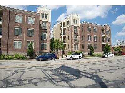 Indianapolis Condo/Townhouse For Sale: 450 Ohio Street #202