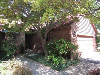 Indianapolis Condo/Townhouse For Sale: 8334 Seabridge Way