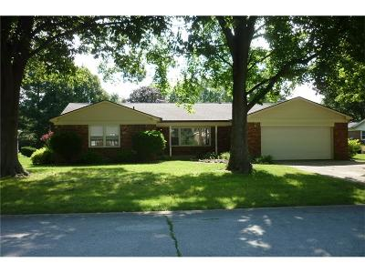 Indianapolis Single Family Home For Sale: 421 Claymont Court