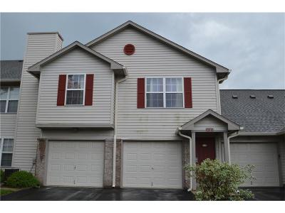 Indianapolis Condo/Townhouse For Sale: 3135 East Wildcat Lane #B10
