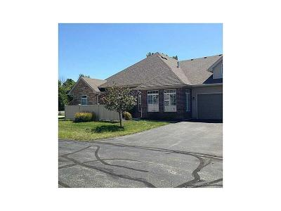 Fishers Condo/Townhouse For Sale: 11150 Red Fox Run