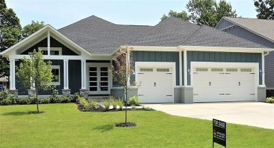 Carmel Single Family Home For Sale: 1067 Oswego Road