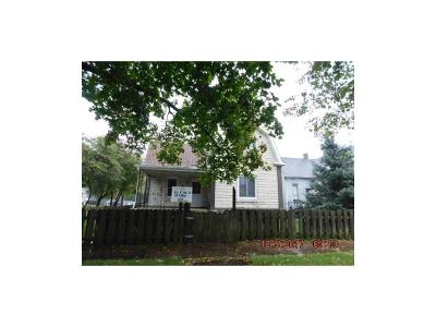 Rushville Single Family Home For Sale: 302 East 7th Street