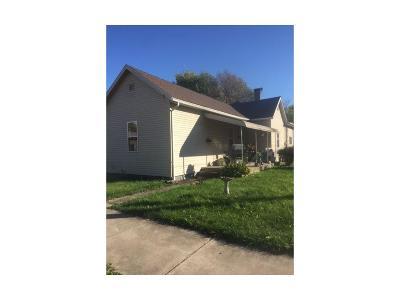 Shelbyville Single Family Home For Sale: 233 East Pennsylvania Street