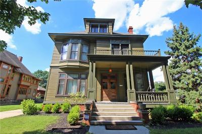 Single Family Home For Sale: 1522 North Broadway Street