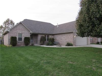 New Palestine Single Family Home For Sale: 3552 South Cedar Creek Lane