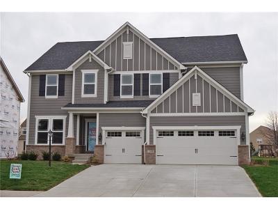 Avon Single Family Home For Sale: 7835 Village Green Drive