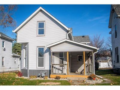 Shelbyville Single Family Home For Sale: 324 West Mechanic Street