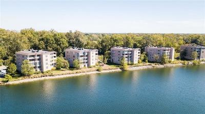 Indianapolis Condo/Townhouse For Sale: 6760 Spirit Lake Drive #202