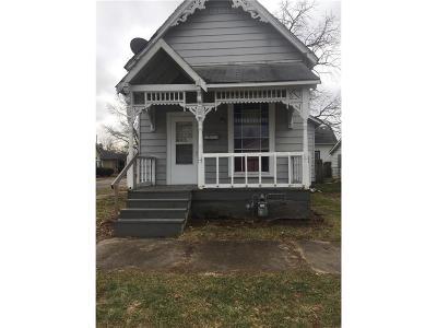 Shelbyville Single Family Home For Sale: 351 East Mechanic Street