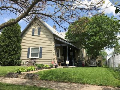 Rushville Single Family Home For Sale: 834 North Oliver Street