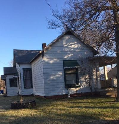 Shelbyville Single Family Home For Sale: 638 West Washington Street