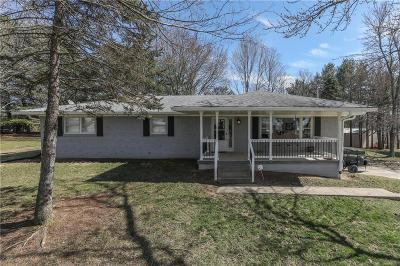 Greenwood Single Family Home For Sale: 2857 Mullinix Road